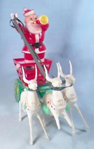 Santa-039-s-Candy-Wagon-Christmas-Decoration-Hard-Plastic-1950s-Vintage-Reindeer