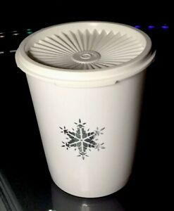 NEW-VINTAGE-Tupperware-Servalier-Canister-5-cp-Christmas-Winter-SNOWFLAKE-NEW