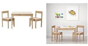 Tavolo Con Sedie Ikea.Dettagli Su Ikea Latt Per Bambini Tavolo Con 2 Sedie In Legno Di Pino Set Di Mobili In Legno Per Bambini Nuovo Mostra Il Titolo Originale