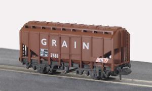 Peco-NR-66-N-Gauge-BRT-Brown-Grain-Wagon