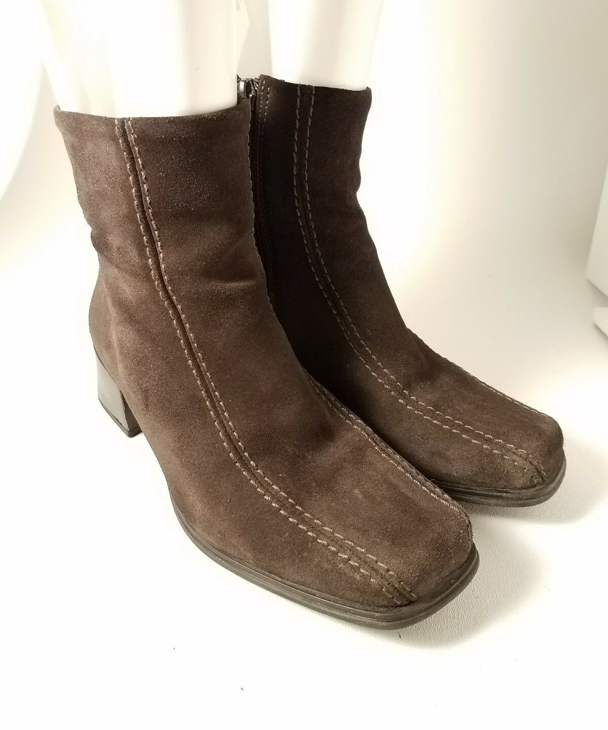 La Canadienne Woman's Chocolate Brown Suede Side Zip Ankle Boots Wide Size 6.5 W