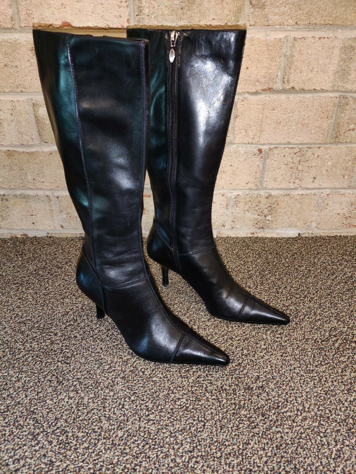 Anne Klein cuir noir point Bottes hautes à bout fermeture éclair arrière femme taille 8.5