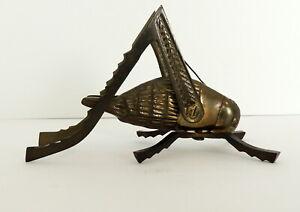 Vintage-Brass-Grasshopper-Cricket-Figurine-Paperweight-Flaw