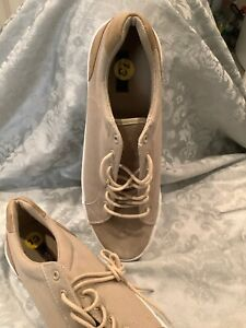 Size 13 London Fog New Canvas Shoes