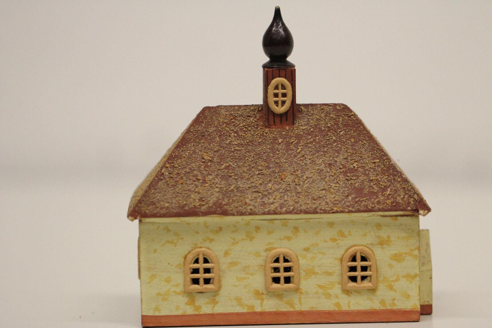 Altes Gebäude Haus Spur H0 DDR Fertigmodell aus Holz Kirche   Erzgebirge
