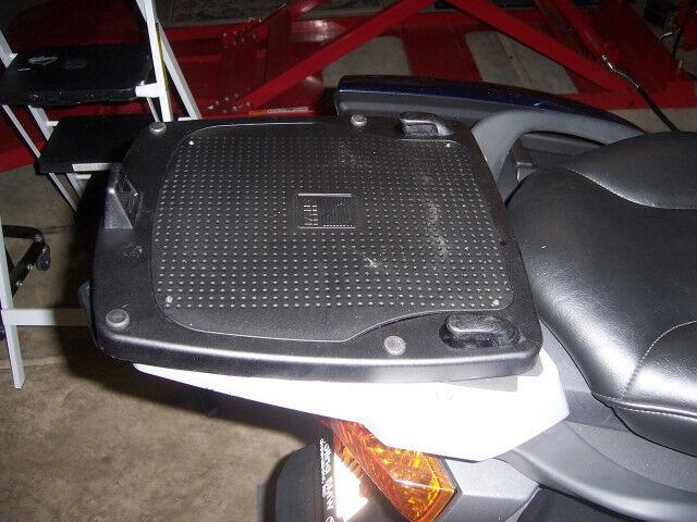 GIVI E193 Monokey Topcase Mounting Adapter For BMW R1200RT