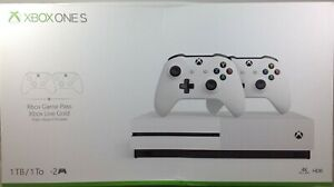 XBOX ONE S 1TB w/2 Controllers (Damaged Box)
