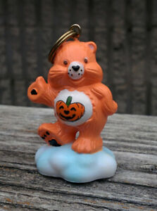 CUSTOM-Vintage-Care-Bear-1-5-034-ATTACHABLE-Keychain-Halloween-TRICK-OR-SWEET-card