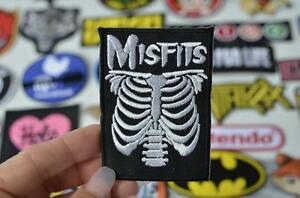 ALTERNATIVE-RIB-SKELETON-Grunge-Iron-On-Patch-Patches-Green-Movie-Roswell-Kidnap