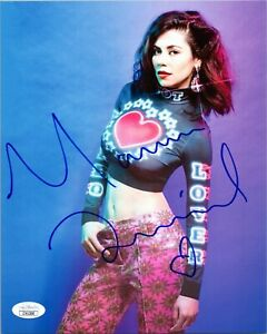 MARINA-DIAMANDIS-Authentic-Signed-034-Marina-and-the-Diamonds-034-8x10-Photo-JSA-COA