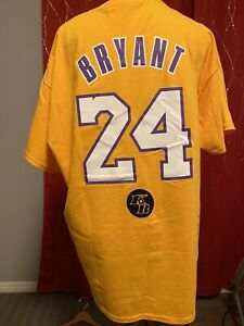 Details about KOBE BRYANT 8/24 MEMORIAL T-SHIRT Handed Out 1/31/20 STAPLES CENTER