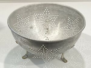 Vintage-7-Star-9-Aluminum-Footed-Colander-Strainer-Bowl-Primitive
