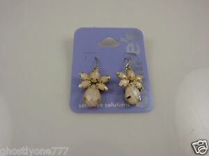 Claire-039-s-sensitive-solutions-gold-tone-earrings-angel-angels