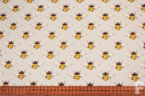 REPEAT BEES DESIGN ROSE /& HUBBLE 100/% CRAFT COTTON PRINT FABRIC