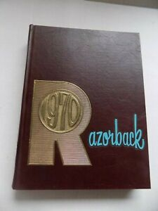 1970-RAZORBACK-University-of-Arkansas-Yearbook-Annual