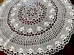 Vintage-Hand-Crochet-Large-FLORAL-Circular-Table-Centre-Cloth-25-Inches-Diameter