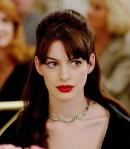 The-Devil-wears-Prada-UNSIGNED-photo-F917-Anne-Hathaway