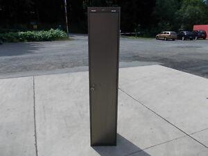 spind metallspind metallschrank umkleideschrank umkleidespind gaderobenschrank ebay. Black Bedroom Furniture Sets. Home Design Ideas
