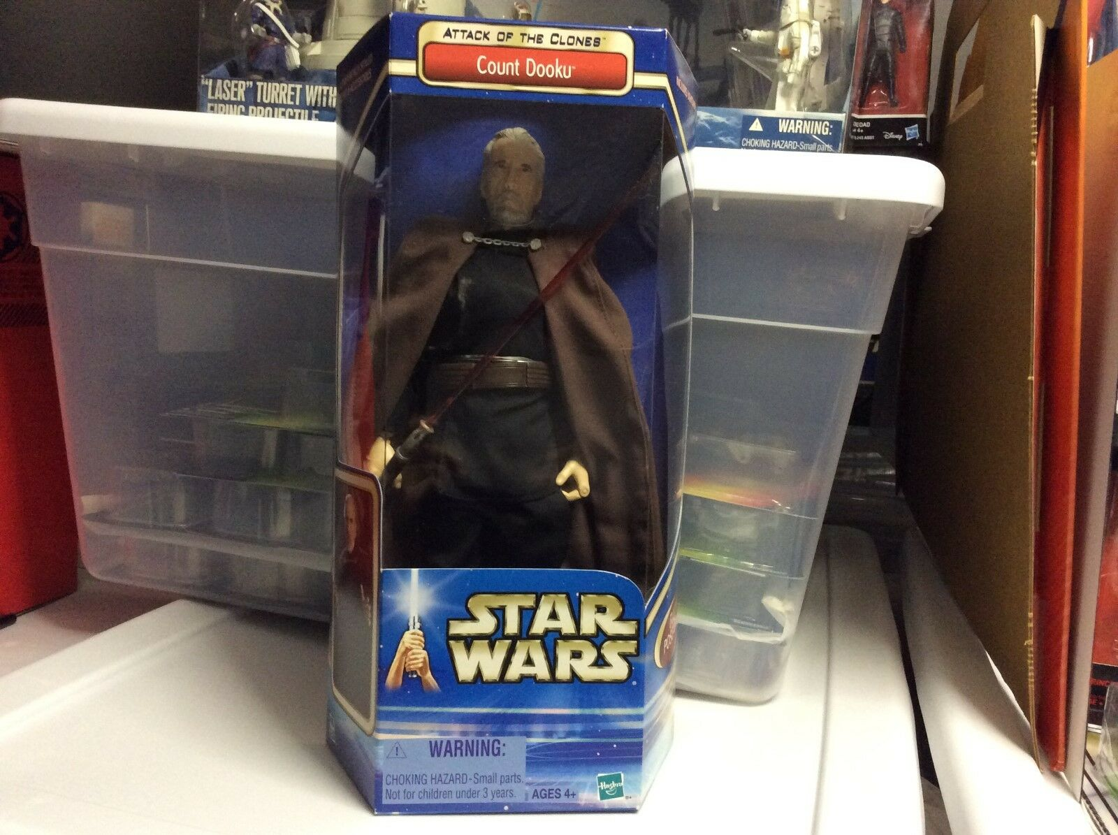 Star Wars AOTC 2002 12  Count Dooku Figure with Light Saber