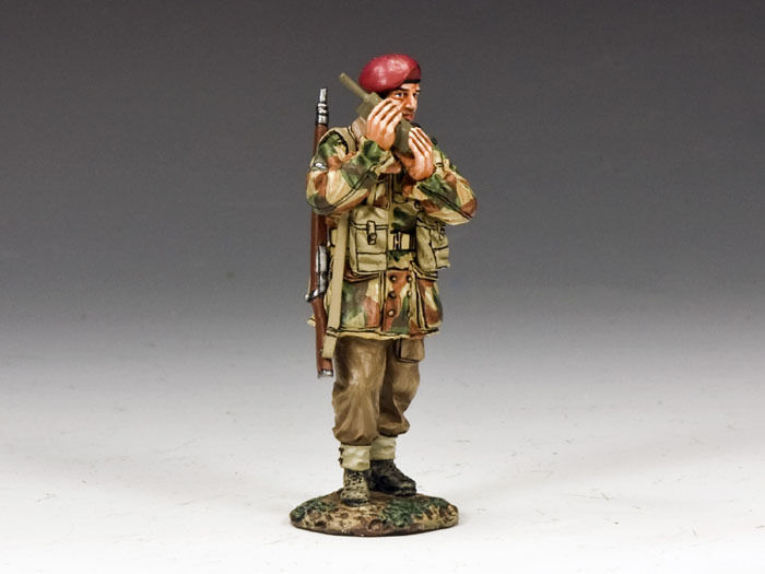 KING AND COUNTRY  Walkie-Talkie   MG041(P) MG41(P)