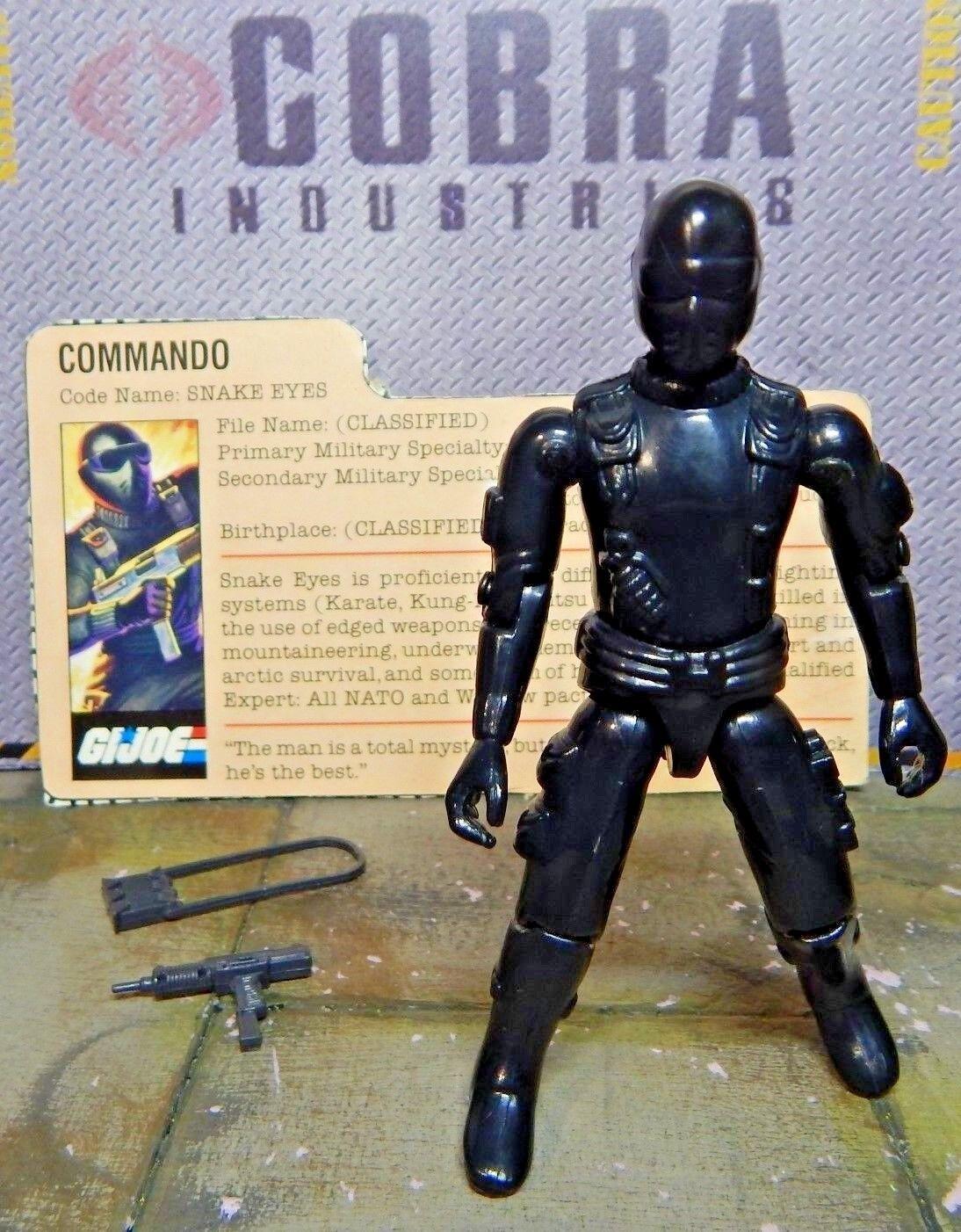 GI JOE  1982 SNAKE EYES  STRAIGHT ARM COMMANDO  NINJA  100% & file card 1983
