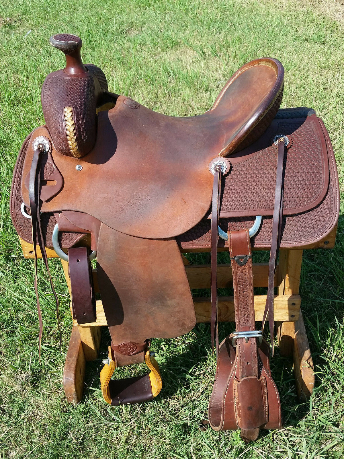 15.5  Spur Saddlery Ranch Roping Saddle (Made in Texas)