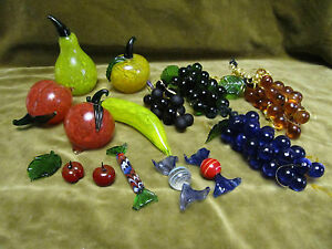 Bel-ensemble-fruits-et-bonbons-verre-de-Murano-Murano-glass-fruits-amp-candies