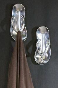 32784-Armario-Sandalia-fabricado-en-aluminio-pulido-con-4-ganchos-24x24-cm