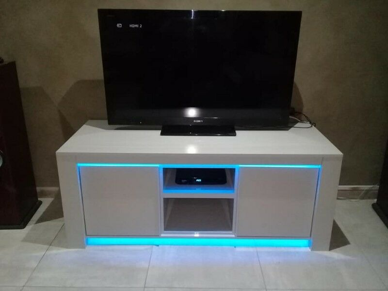 Ultra Modern Tv Stand With Led Neon Lights Or White Port Elizabeth Gumtree Clifieds South Africa 254370460