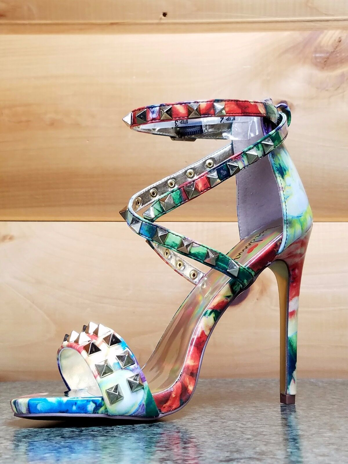Luichiny Humor Studded Me Riot Multi Floral Studded Humor Cross Strap Sandale Schuhe 5