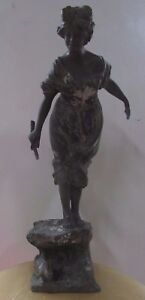 ANTIQUE-BRONZE-STATUE-OF-LADY-WITH-RABBIT-SIGNED-ARTIST-MAKER-STAMP-FRENCH