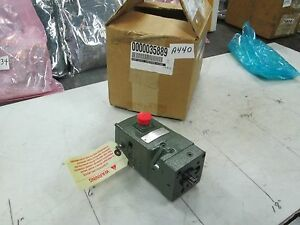 Woodward-Electrical-Governor-Actuator-8250-570-42-Degrees-NIB