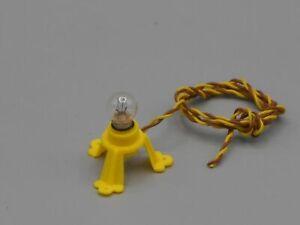 Lampe-douille-E5-sur-socle-avec-ampoule-et-fils-souples-torsades