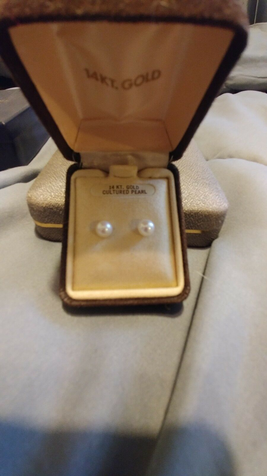 Vintage 6mm Cultured Pearl With 14kt Post