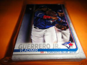 TORONTO-BLUE-JAYS-TEAM-SET-2019-TOPPS-SERIES-1-2-amp-UPDATE-34-CARDS