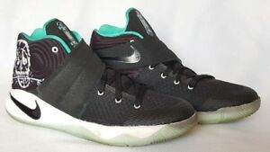 new products 286f1 71741 Image is loading NIKE-Kyrie-2-GS-Court-Deck-Black-Black-