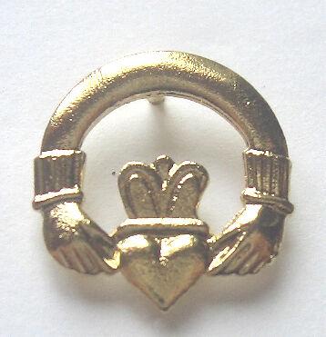 GILT LAPEL PIN BADGE IRELAND BADGE CLADDAGH
