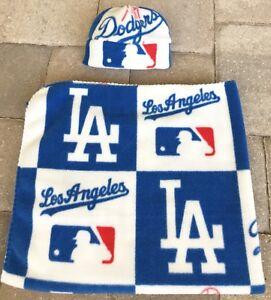 Los Angeles Dodgers MLB Little Fan Baby Feeding Bib Infant Newborn Shower