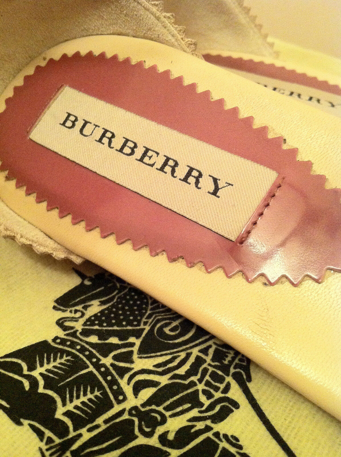 BURBERRY PURPLE WOMEN'S FORTUNE GUILLES THORN PURPLE BURBERRY T-STRAP SANDALS   SIZE 37 (7 US) ed1fb6