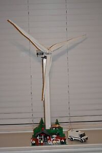 Details about LEGO 4999 - VESTAS WIND TURBINE - 100% COMPLETE W/ Stickers  and Minifigs!!