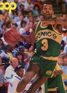 Dale Ellis Seattle Sonics Bucks Signed Autographed Hoop Magazine Centerfold COA