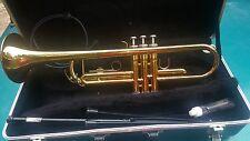 Yamaha YTR 2335 Brass Trumpet with Case, Vincent Bach 5C Mouthpiece