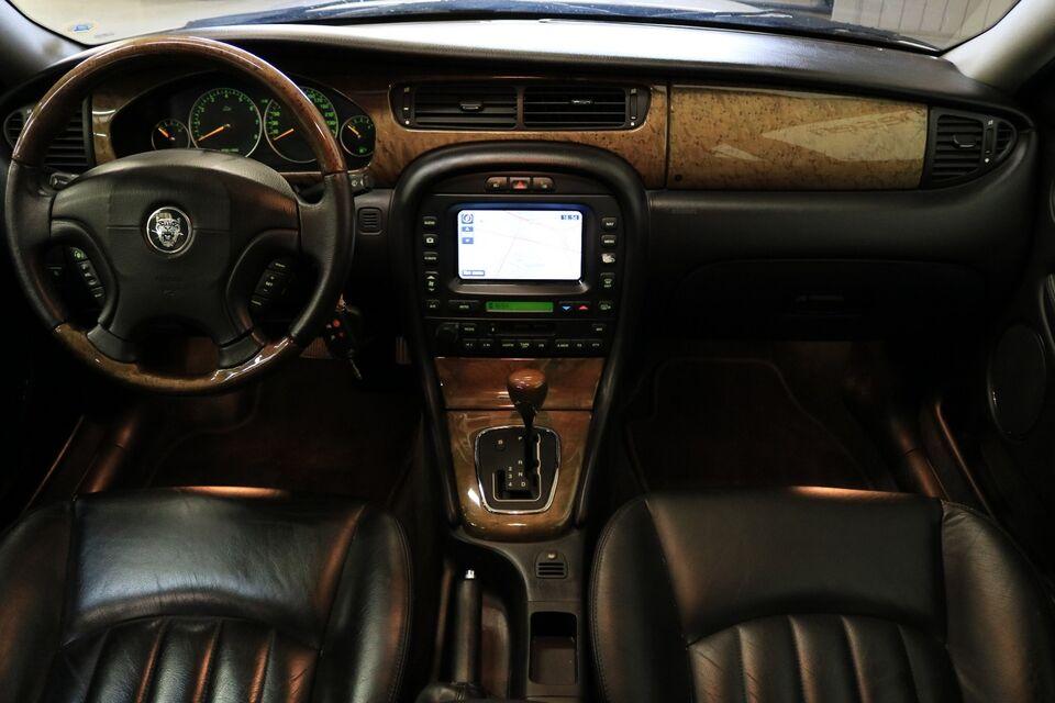 Jaguar X-type 2,5 4x4 Benzin 4x4 4x4 modelår 2002 km 180000