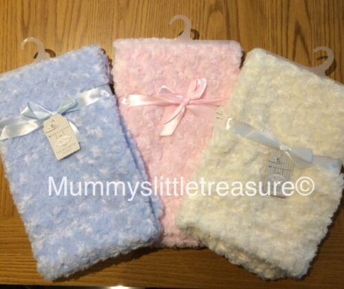 BNWT BABYS ROSEBUD FLUFFY SUPERSOFT SOFT BLANKET PINK//BLUE//CREAM