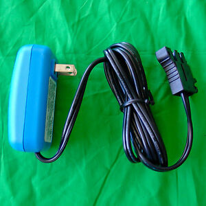 PEG-PEREGO-12-VOLT-OEM-GENUINE-CHARGER-for-BLUE-12v-BATTERY