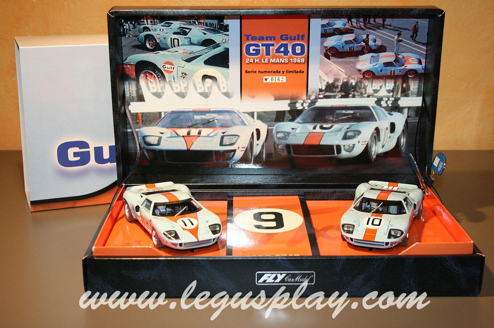 Slot car SCX Scalextric Fly 96016 Team Gulf Ford GT40 team 05 24h. Le Mans 1968