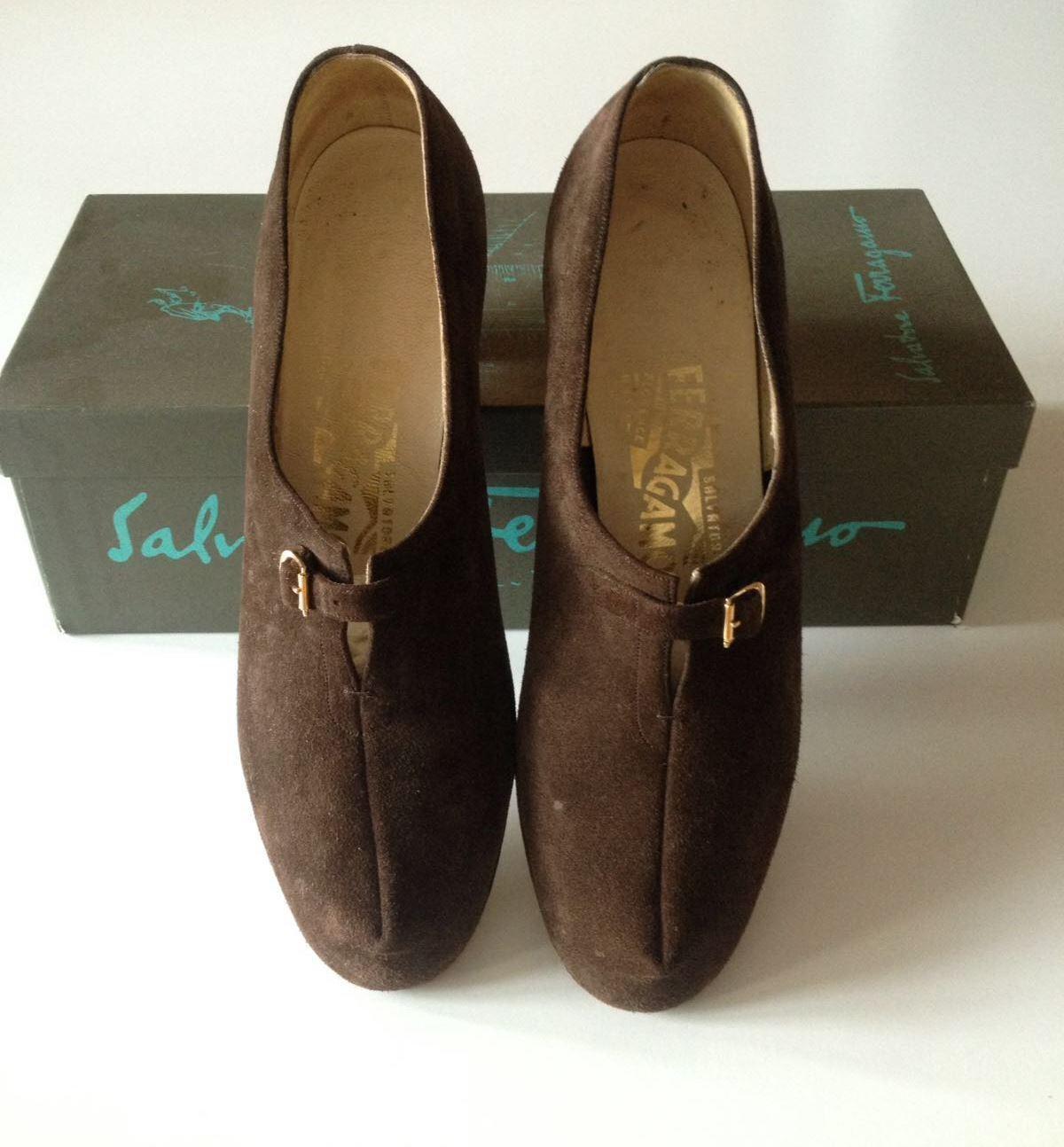 Salvatore Ferragamo vintage scarpe decolletè marroni camoscio numero 38