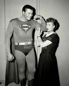 GEORGE-REEVES-AS-034-SUPERMAN-034-amp-LUCILLE-BALL-IN-034-I-LOVE-LUCY-034-8X10-PHOTO-DA-448