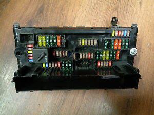 bmw 5 series f10 f11 power distribution fuse box 9252815 ebay rh ebay ie bmw 5 series fuse box layout bmw 5 series fuse box diagram