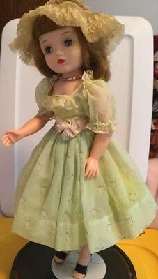 """Vintage Madame Alexander 20"""" Cissy Doll Dressed In Spring Green Organdy Outfit"""